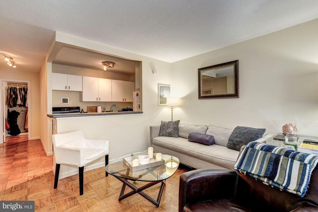 Living room - 1301 20TH ST NW #201, WASHINGTON