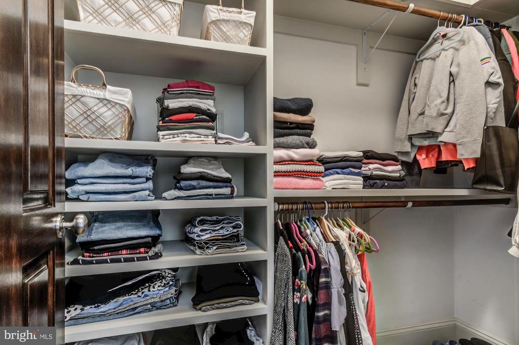 Large closets w/ shelving throughout - 5029 38TH ST N, ARLINGTON