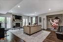Gorgeous walk out lower level w. FP & french doors - 5029 38TH ST N, ARLINGTON