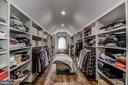 Huge master walk in closet - 5029 38TH ST N, ARLINGTON