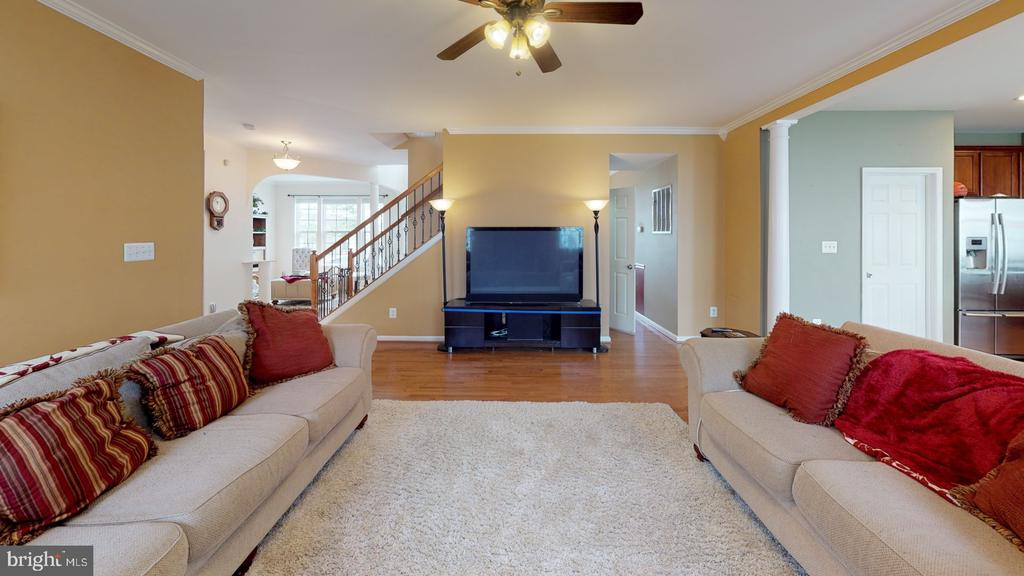 Large family room - 31 MINERAL SPRINGS, RANSON