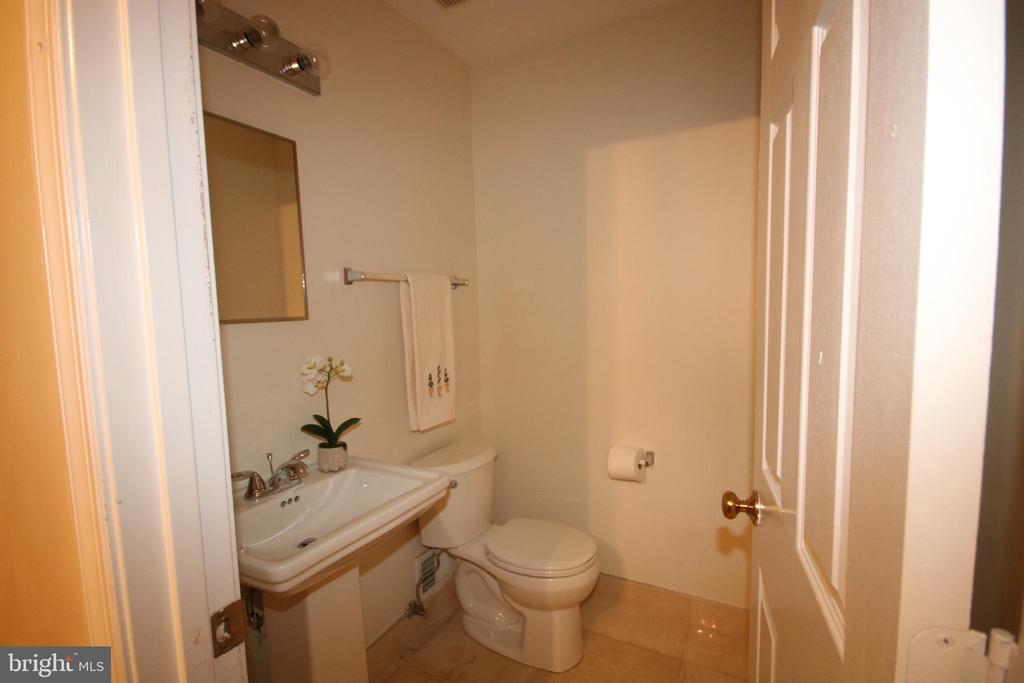 Just remodeled powder room on main level - 612 KRISTIN CT SE, LEESBURG