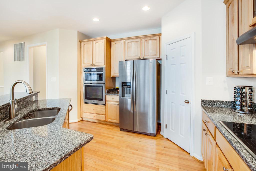 Kitchen with Stainless Appliances - 5209 LINDEN DR, FREDERICKSBURG