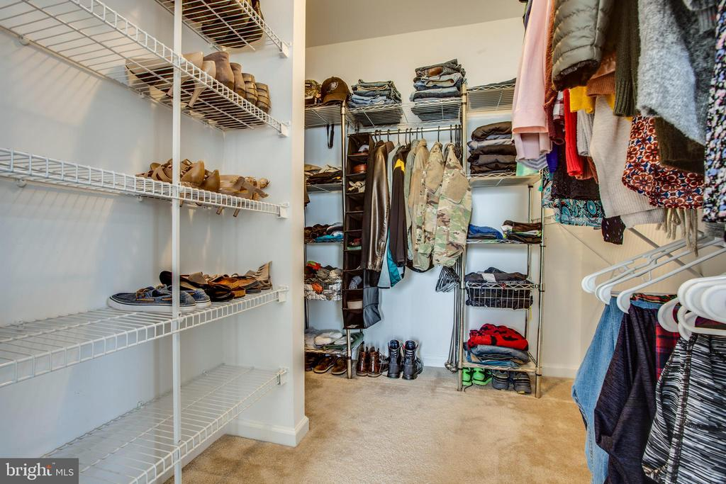 Master Closet - 5209 LINDEN DR, FREDERICKSBURG