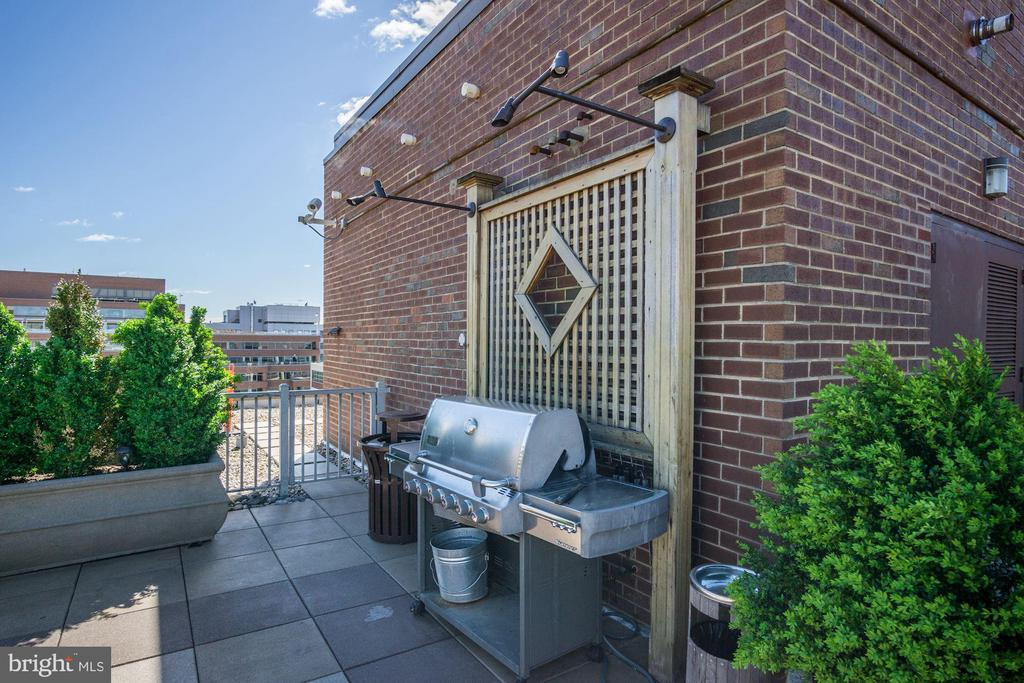 Rooftop Grill - 1301 20TH ST NW #211, WASHINGTON