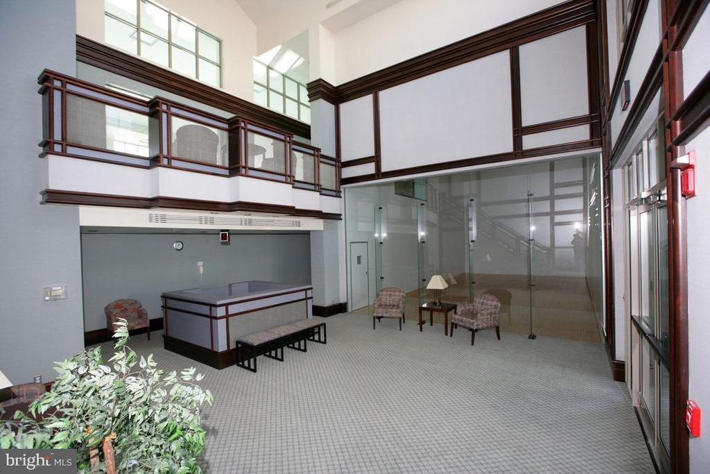 Amenities Building Lobby - 5809 NICHOLSON LN #201, NORTH BETHESDA
