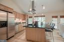 Kitchen with island - 9327 TOVITO DR, FAIRFAX