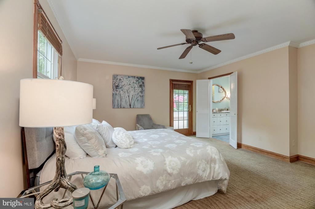 Master bedroom - 9327 TOVITO DR, FAIRFAX
