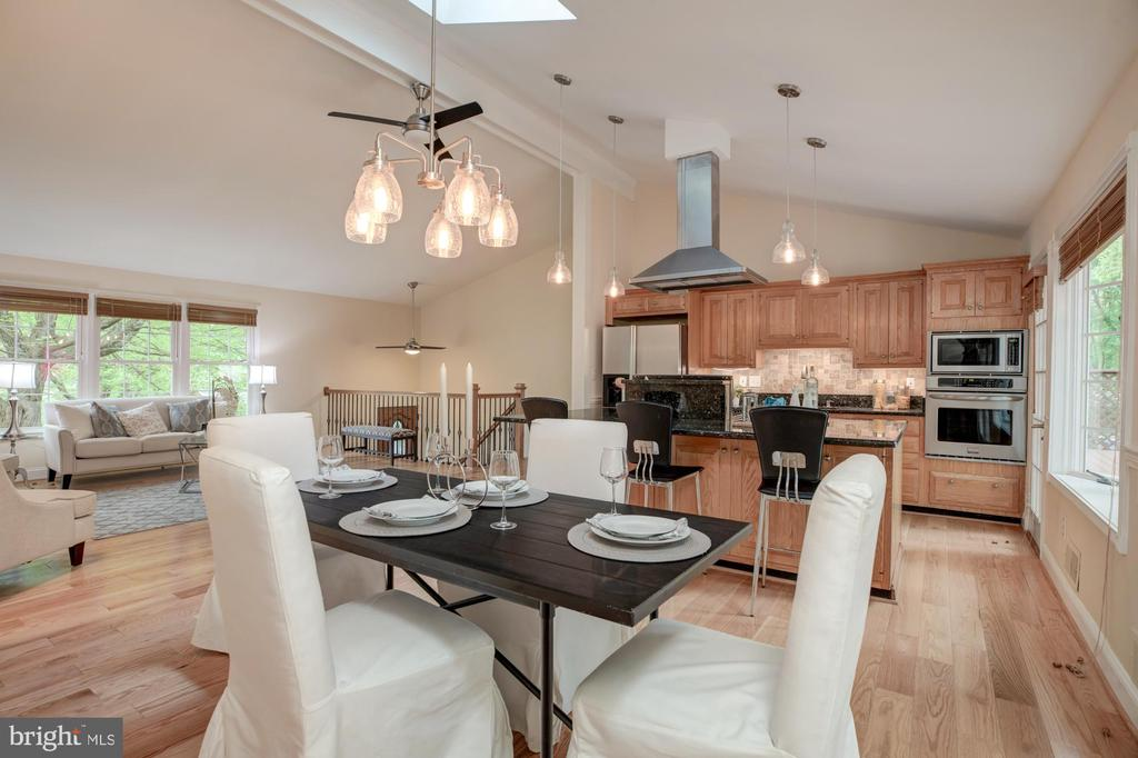 Dining area, kitchen and living room - 9327 TOVITO DR, FAIRFAX