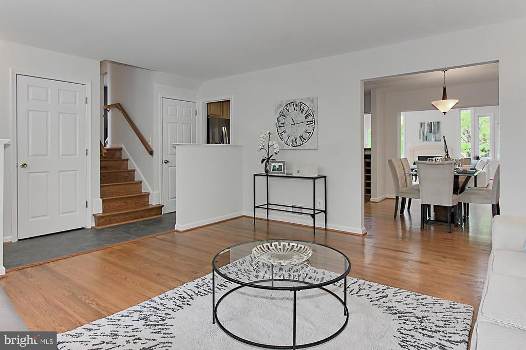 Open floor plan on main level - 4502 MULLEN LN, ANNANDALE