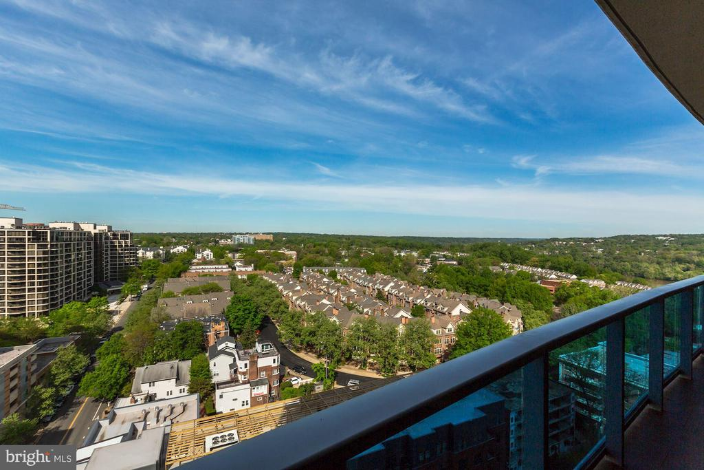 Stunning Views from Every Room - 1881 N NASH ST #1902, ARLINGTON