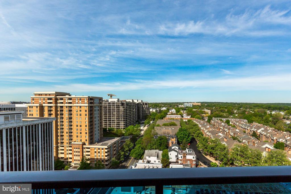 Awesome, Panoramic Views from Every Room - 1881 N NASH ST #1902, ARLINGTON