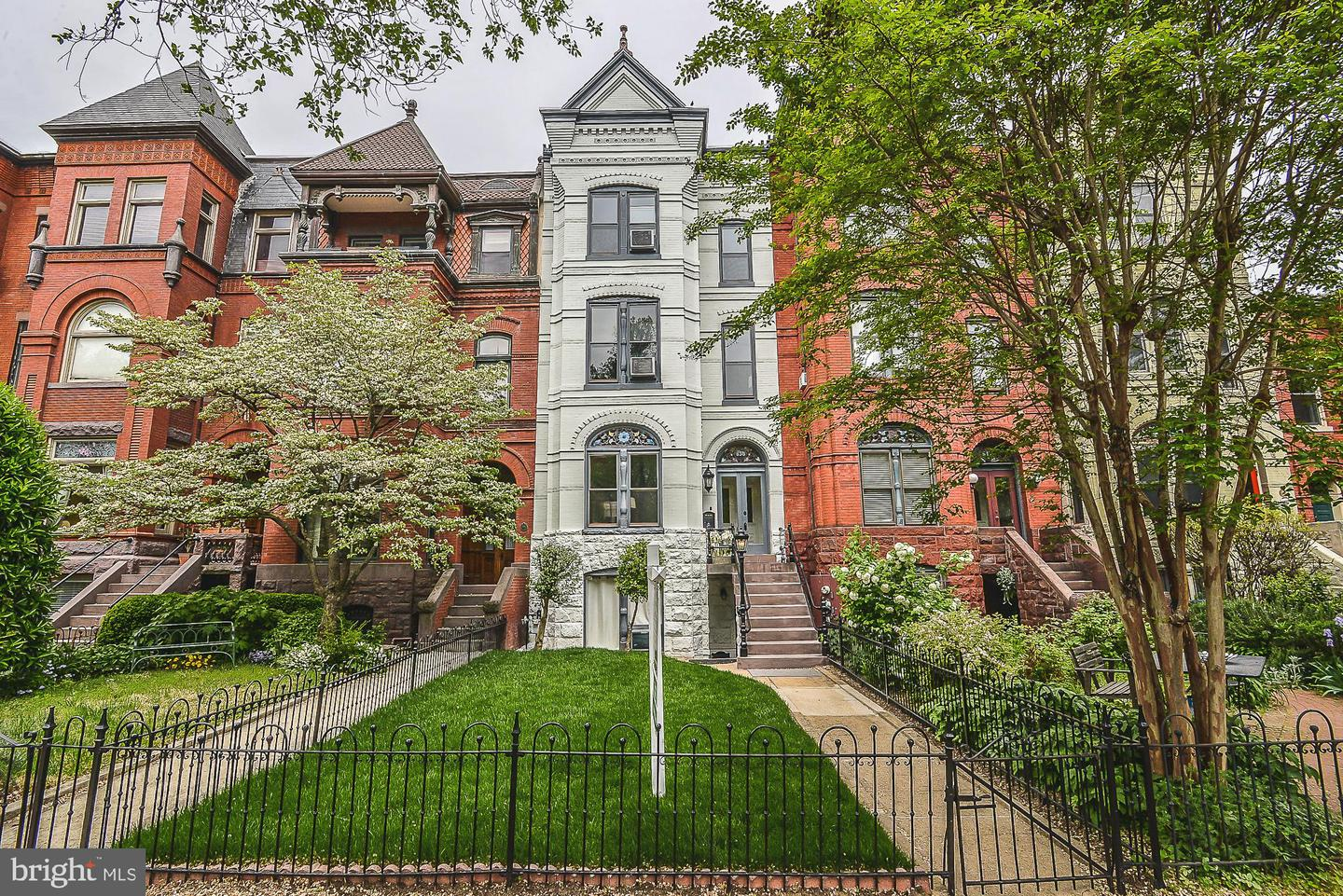 Single Family Home for Sale at 638 E Capitol St NE Washington, District Of Columbia 20003 United States