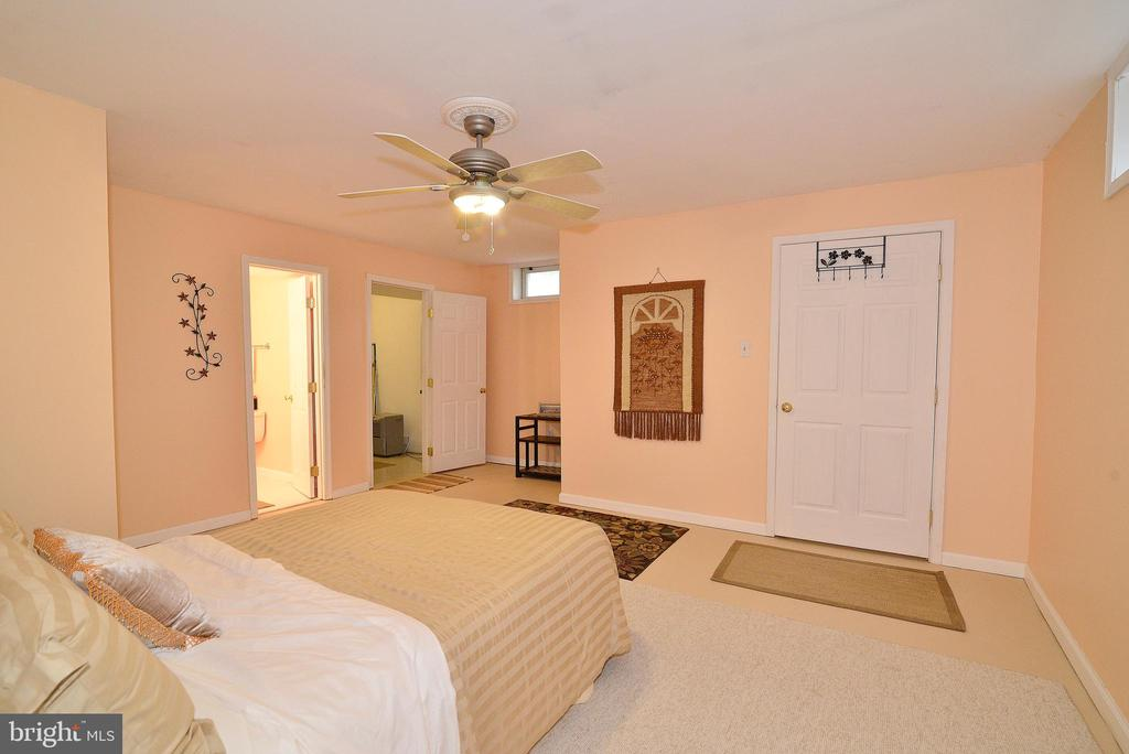 Lower Level Den - 6515 MILLER DR, ALEXANDRIA
