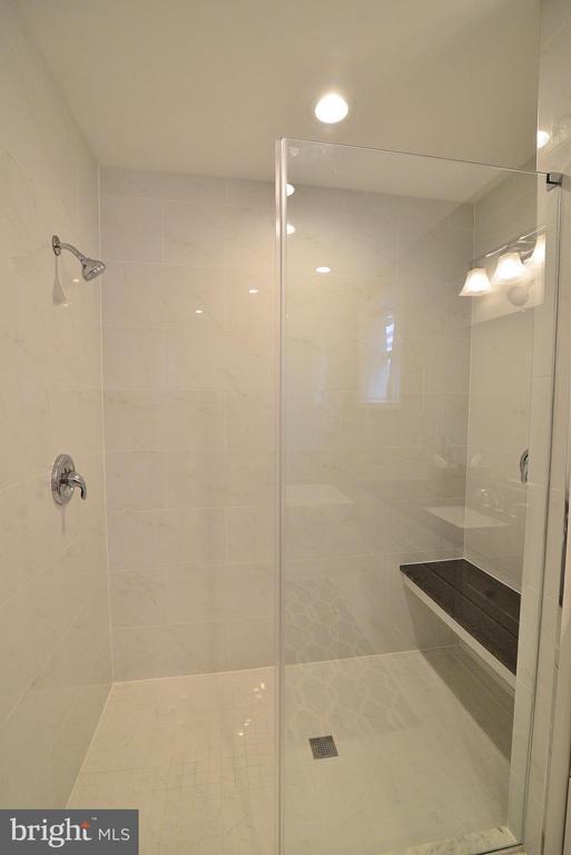 Master Bathroom Shower - 6515 MILLER DR, ALEXANDRIA