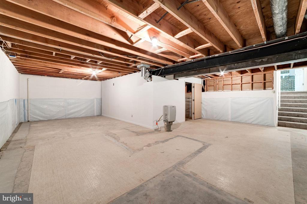 Unfinished basement - great storage - 9364 TOVITO DR, FAIRFAX