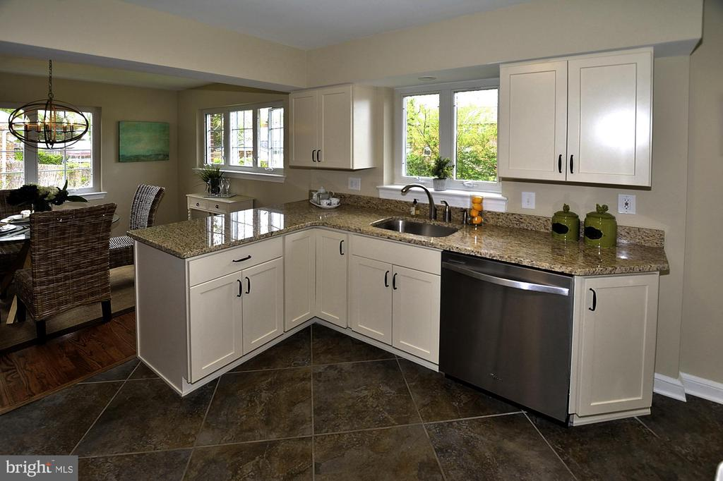Kitchen 1 - 6011 GRAYSON ST, SPRINGFIELD