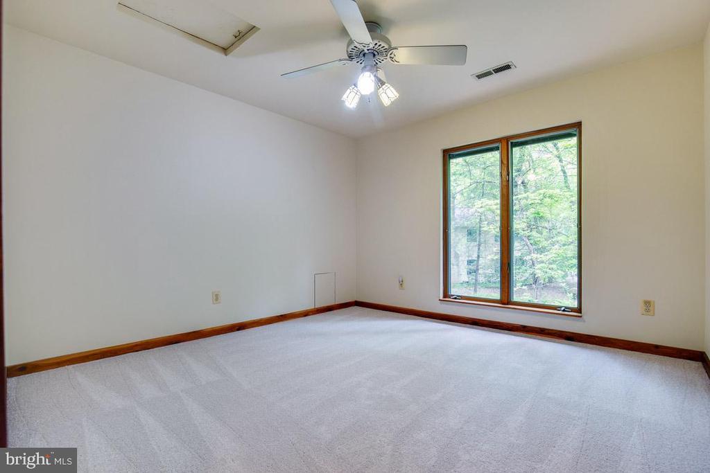 Bedroom 4 has attic access panel - 11220 HANDLEBAR RD, RESTON