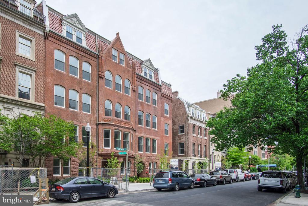Tree-lined Dupont street - 1745 N ST NW #312, WASHINGTON