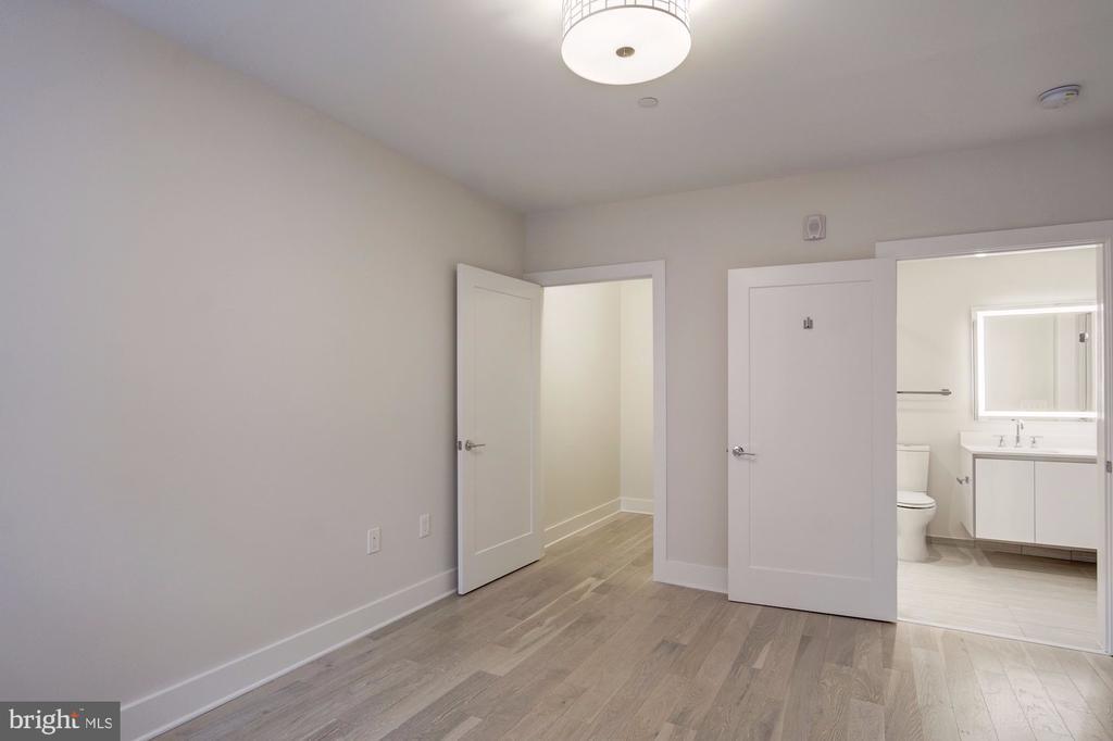 En suite bathroom - 1745 N ST NW #312, WASHINGTON