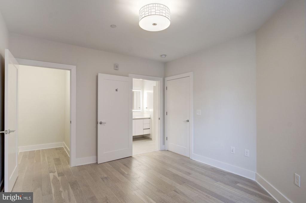 Spacious bedroom with lighting - 1745 N ST NW #312, WASHINGTON