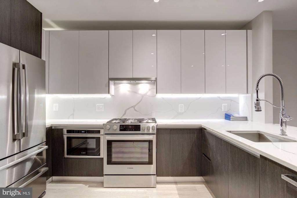 A chef-caliber kitchen - 1745 N ST NW #312, WASHINGTON