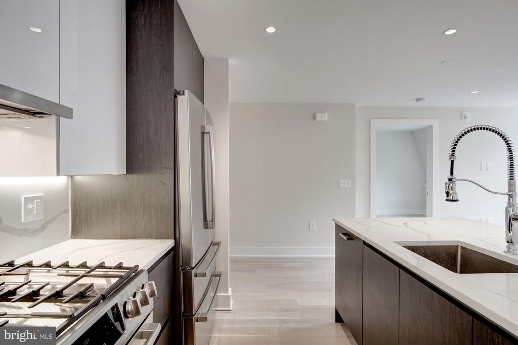 Gas cooking, upgraded appliances - 1745 N ST NW #414, WASHINGTON
