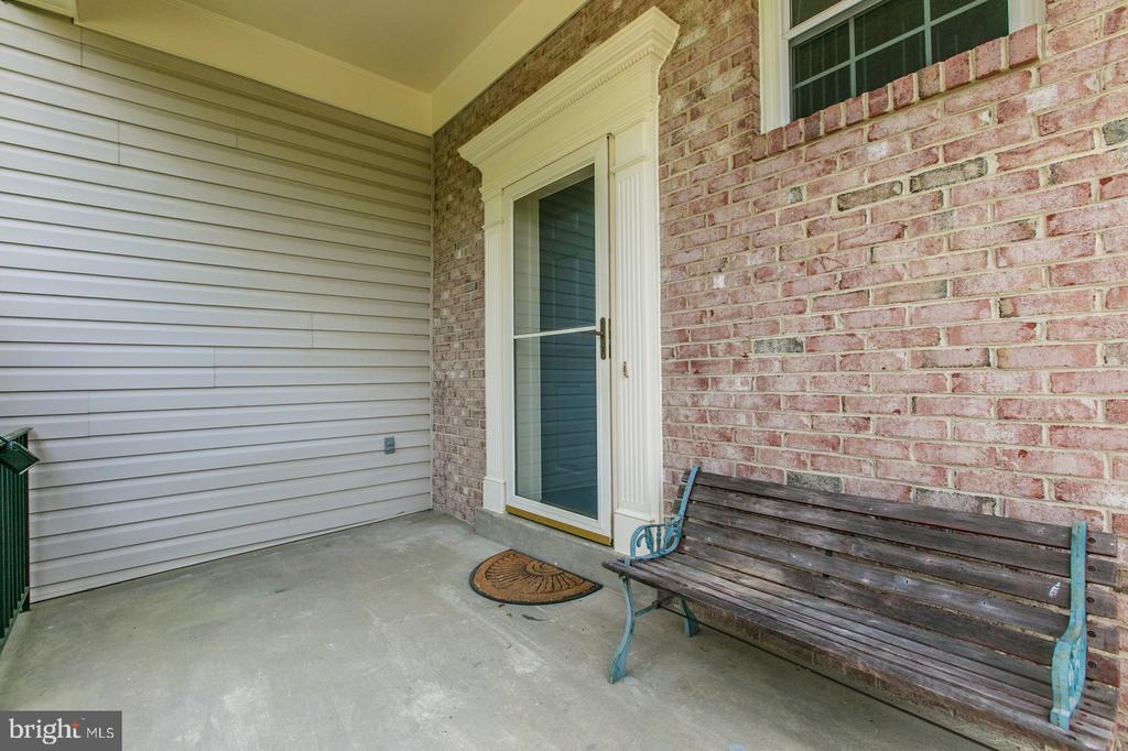 Lovely porch area spacious enough for seating. - 5429 CASTLE BAR LN, ALEXANDRIA