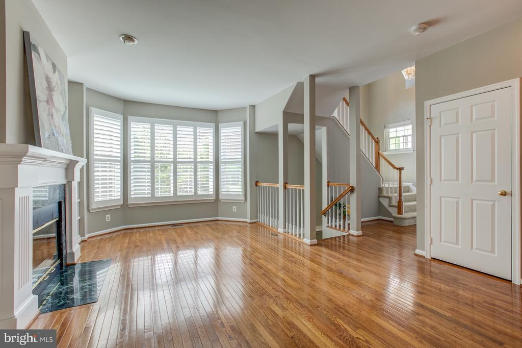 Bay window with wood shutter blinds. - 5429 CASTLE BAR LN, ALEXANDRIA