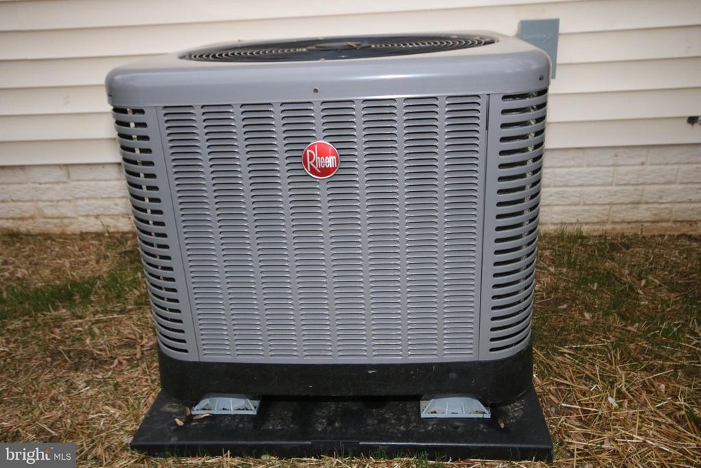 Brand new air conditioner - April, 2019 - 612 KRISTIN CT SE, LEESBURG