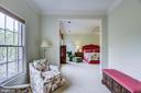 Enter the master bedroom through the sitting room - 7428 SPRING SUMMIT RD, SPRINGFIELD