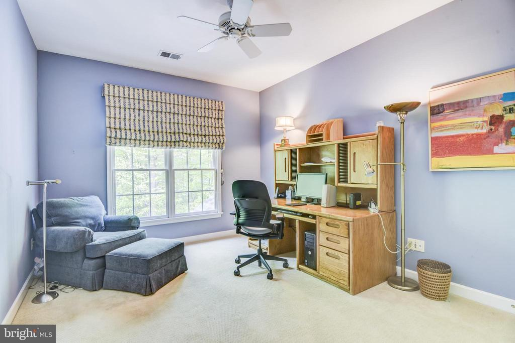 All of the bedrooms have ceiling fans - 7428 SPRING SUMMIT RD, SPRINGFIELD