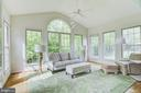 Light and bright sunroom - 7428 SPRING SUMMIT RD, SPRINGFIELD