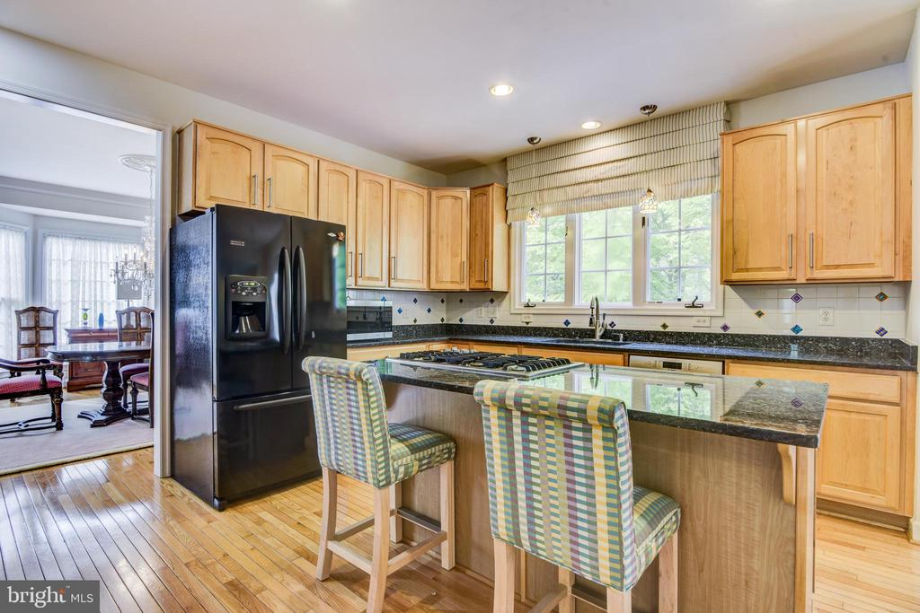 All appliances have been upgraded - 7428 SPRING SUMMIT RD, SPRINGFIELD