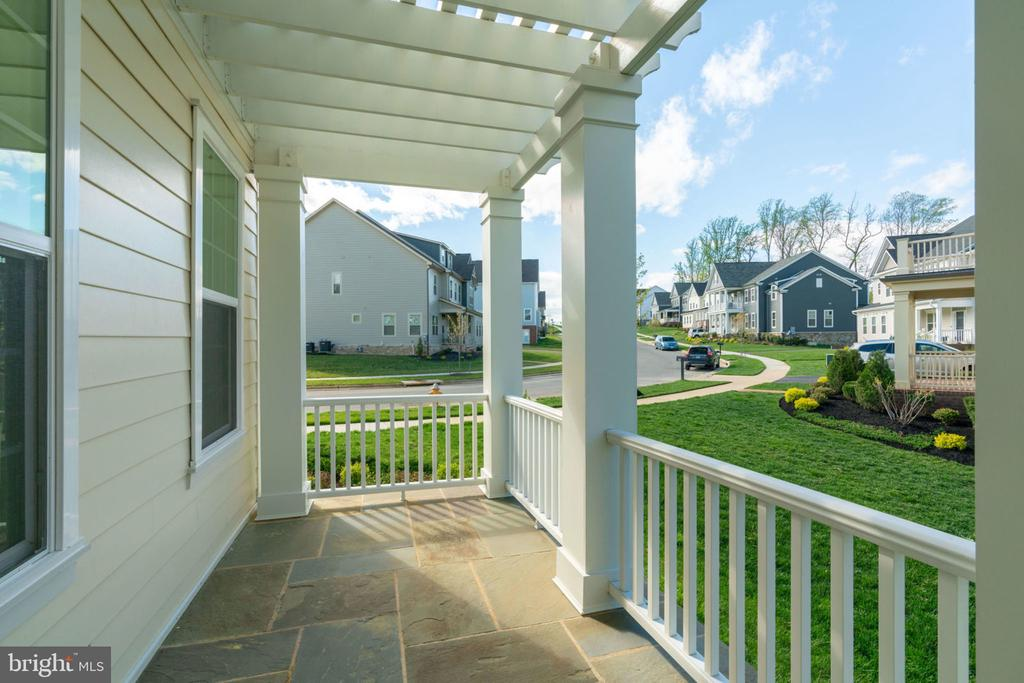Potomac Shores is all about front porch lifestyle! - 17123 BELLE ISLE DR, DUMFRIES