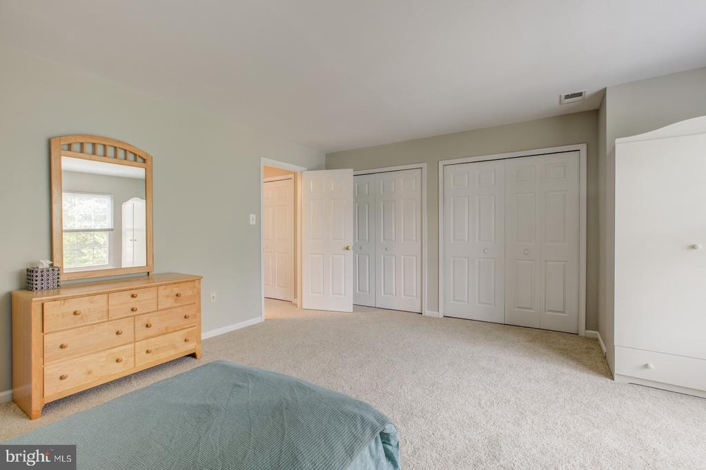 Two large closets - 5429 CASTLE BAR LN, ALEXANDRIA