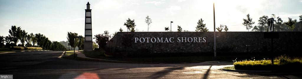 Award Winning Potomac Shores Community - 17123 BELLE ISLE DR, DUMFRIES