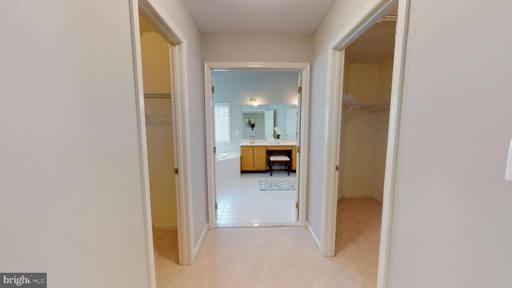 Double Walk-in Closets! - 47576 SAULTY DR, POTOMAC FALLS
