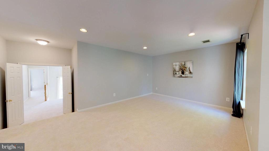 Plenty Of Room For A King Bed! - 47576 SAULTY DR, POTOMAC FALLS