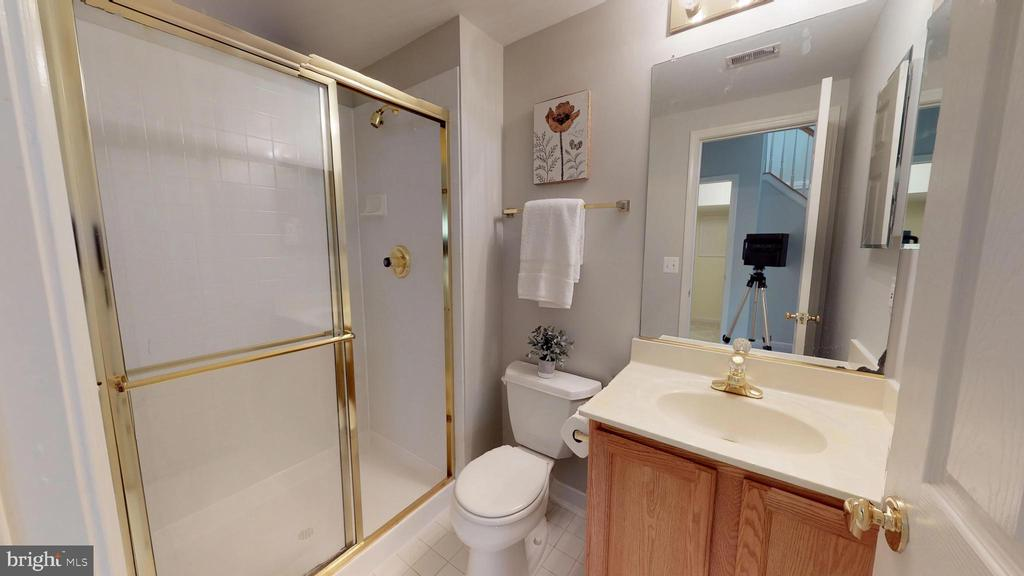 Full Bath in Basement - 47576 SAULTY DR, POTOMAC FALLS