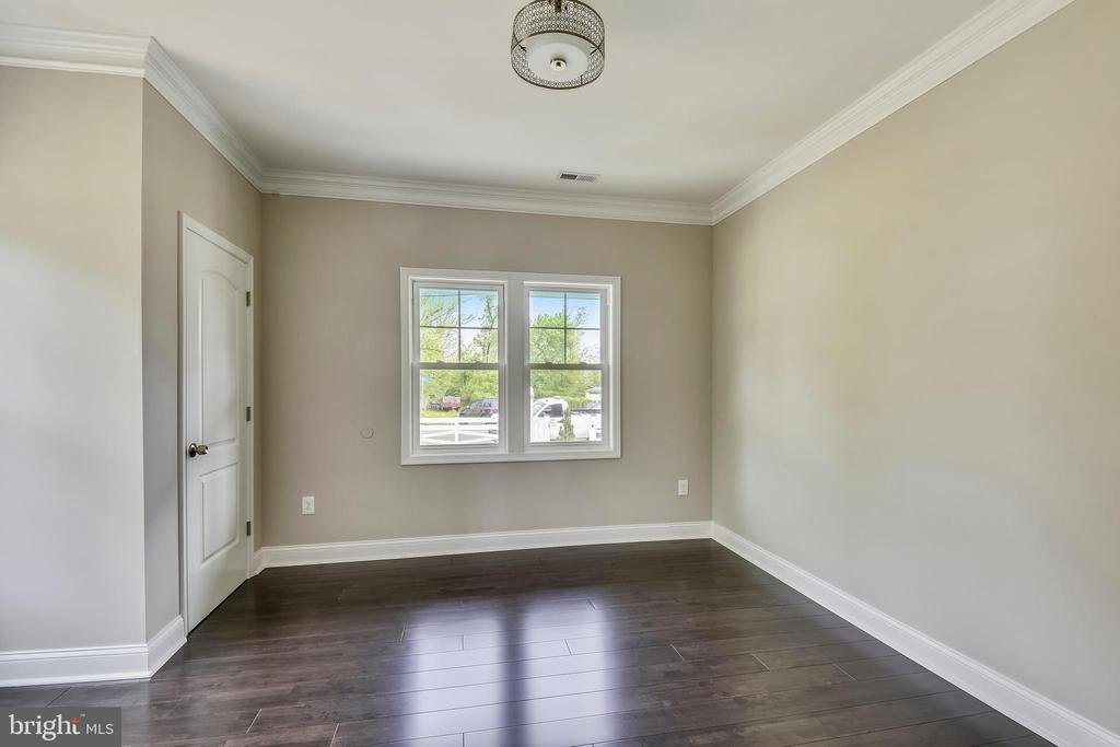First Level Floor - 3401 CAMPBELL DR, ALEXANDRIA
