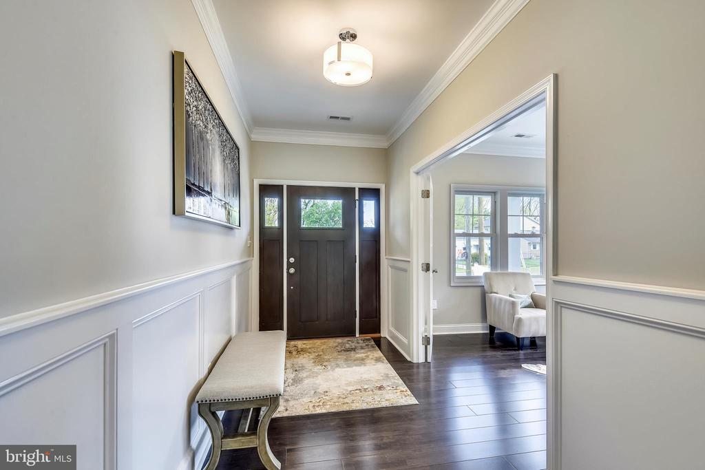 Spacious Foyer - 3401 CAMPBELL DR, ALEXANDRIA