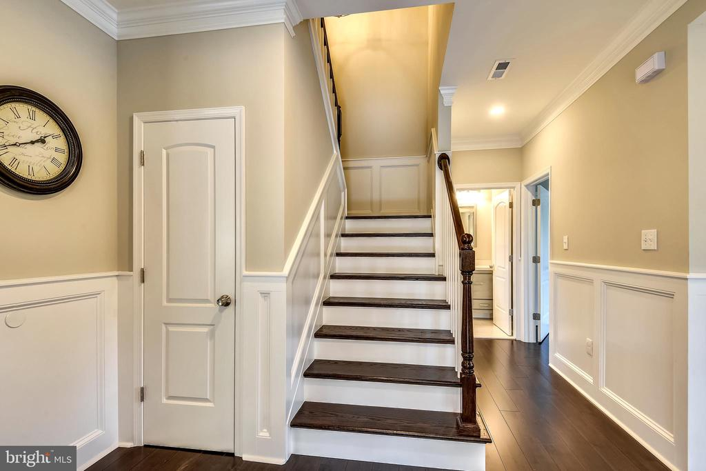 Second Foyer and elegant Stairway - 3401 CAMPBELL DR, ALEXANDRIA
