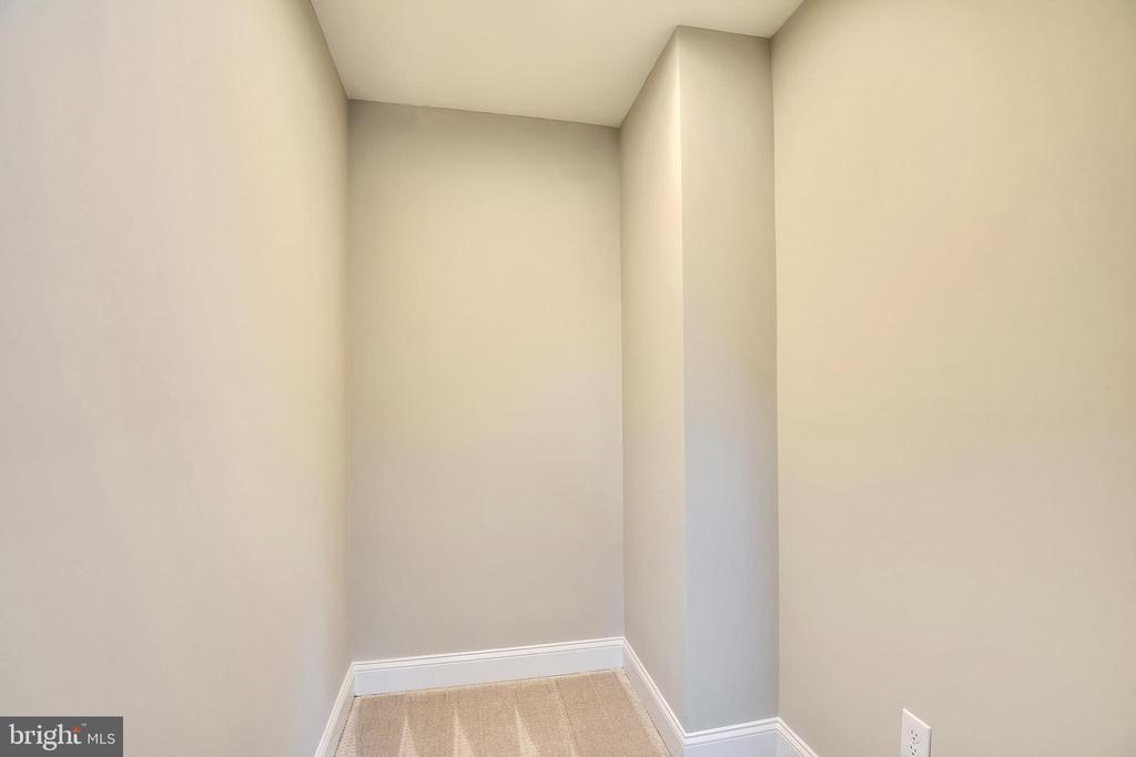 Custom  Closet (will be completed soon) - 3401 CAMPBELL DR, ALEXANDRIA