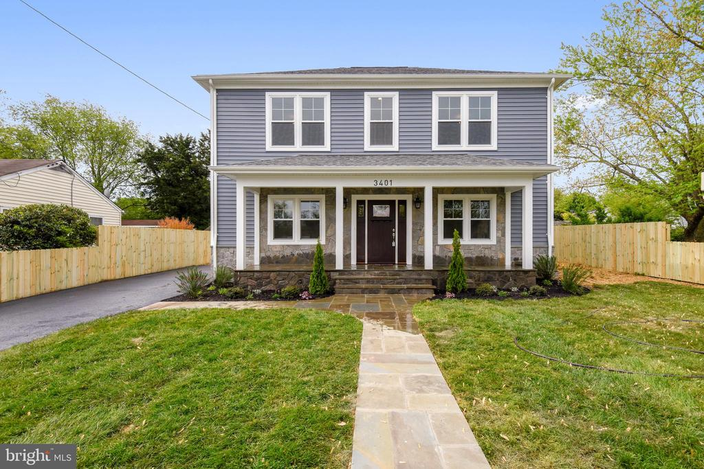 Welcome Home! New Custom Home - 3401 CAMPBELL DR, ALEXANDRIA