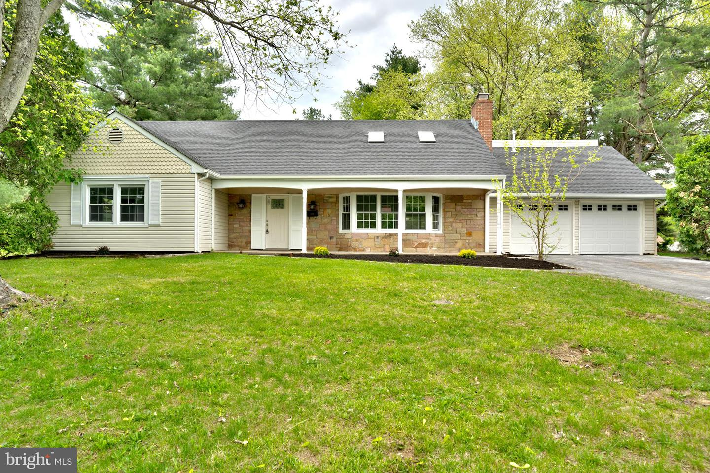 Single Family Homes للـ Sale في Willingboro Township, New Jersey 08046 United States