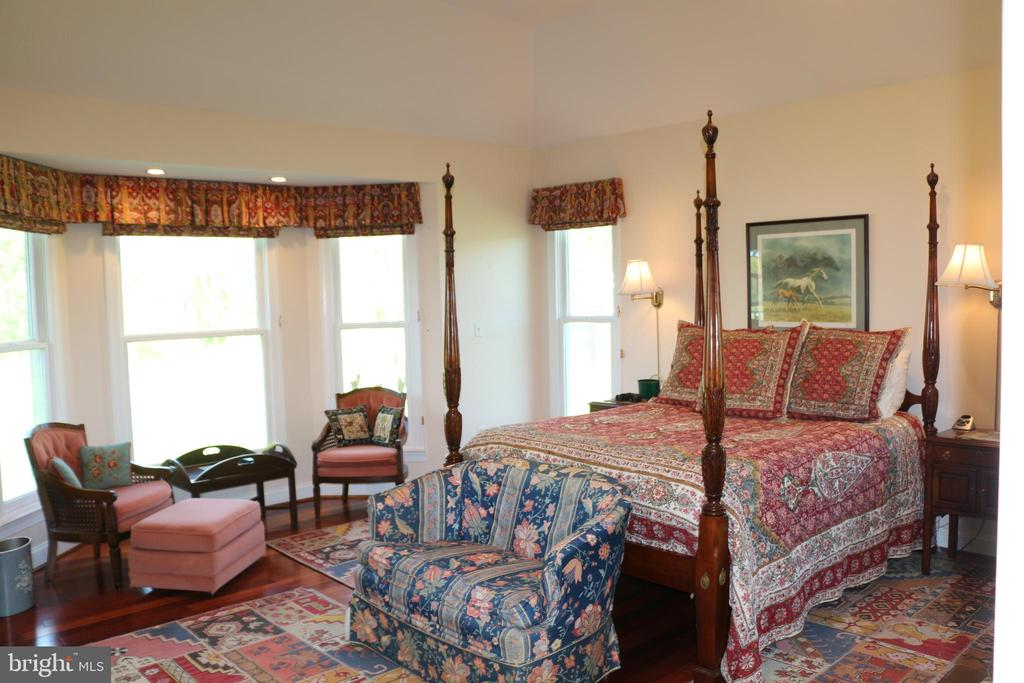 Master bedroom - 18561 YELLOW SCHOOLHOUSE RD, ROUND HILL