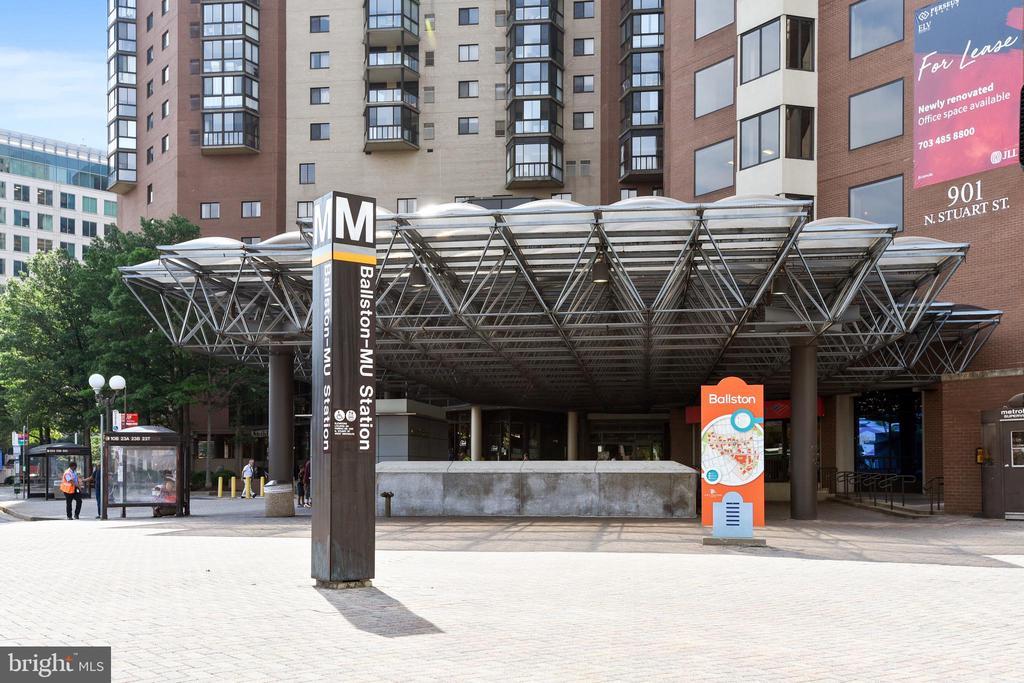 Ballston metro about a mile. - 3800 LEE HWY #301, ARLINGTON