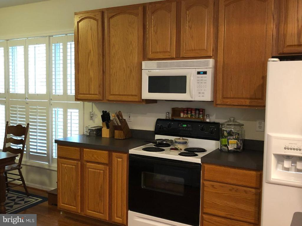 Kitchen - 1400 LAKEVIEW PKWY, LOCUST GROVE