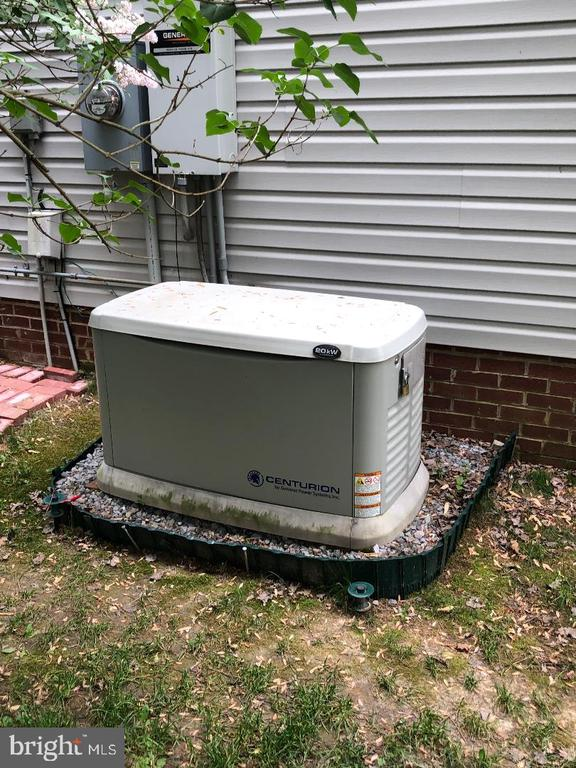 Whole house generator! - 1400 LAKEVIEW PKWY, LOCUST GROVE